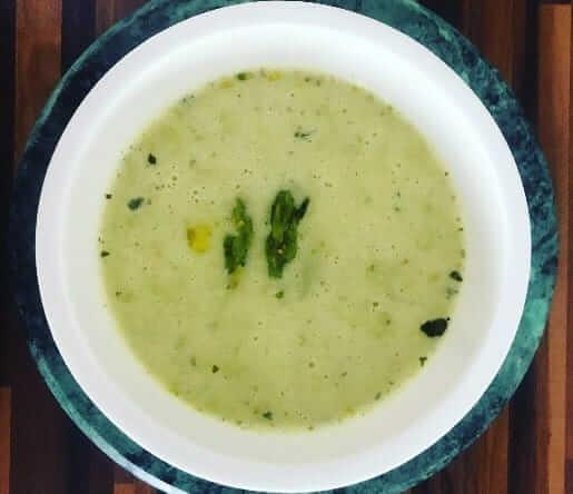 Spargel-Kokossuppe