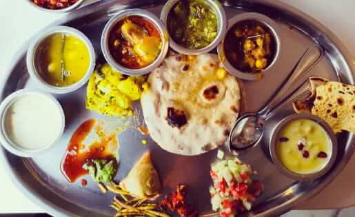Thali Mittagessen in Mumbai