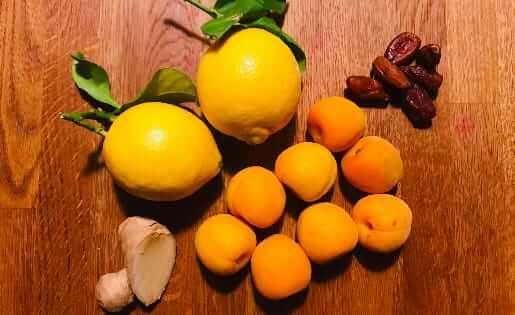 Aprikosen-Dattel-Chutney