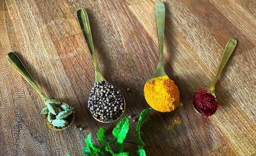 3 Gewürze für den Sommer aus der Ayurveda Küche