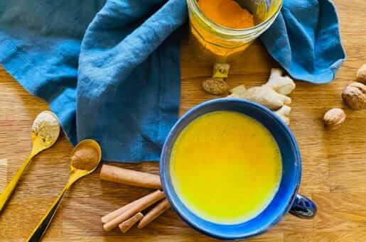 Goldene Milch - ein ayurvedisches Getränk