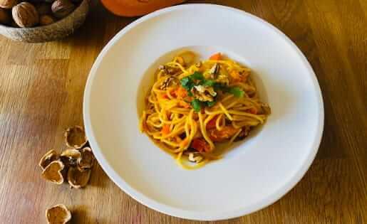 Kürbis Spaghetti mit Walnüsse
