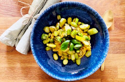 Ayurvedisches Linsen-Risotto mit grünem Spargel